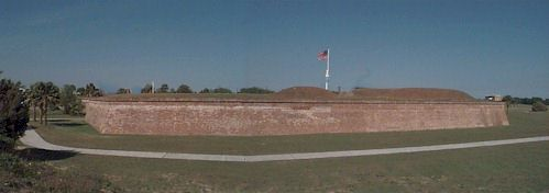 Ft. Moultrie.jpg (21184 bytes)